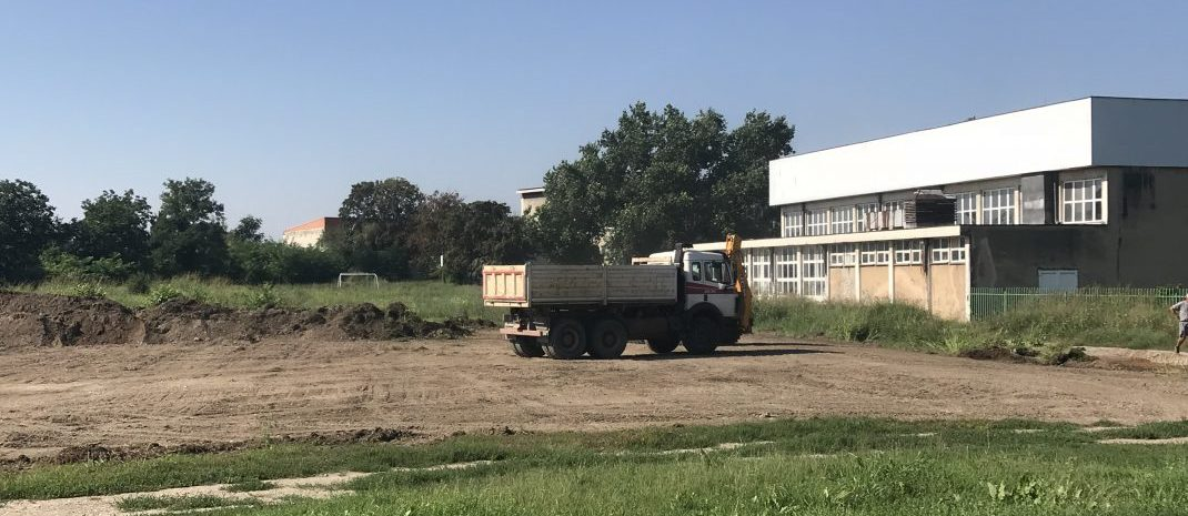 Uskoro novi teren za mali fudbal pored bazena
